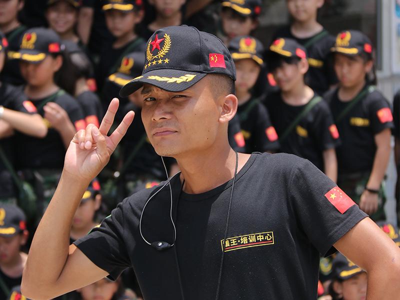 2019少年军事夏令营白云二十一天蜕变班