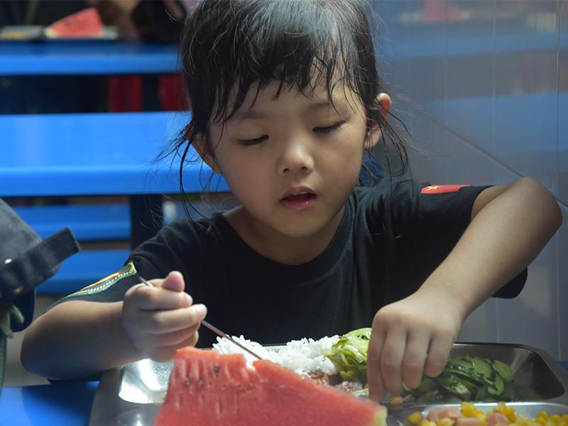 「广州狼王生活常识」孩子中暑了怎么办?